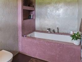 Extravagantně řešená koupelna.