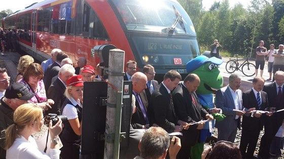 K úspěchům kraje patří zprovoznění železničního úseku mezi Dolní Poustevnou a saským Sebnitz (trať Děčín-Rumburk)