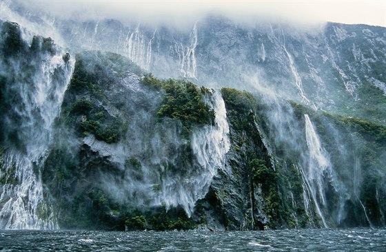 Bouře v Milford Sound, Nový Zéland