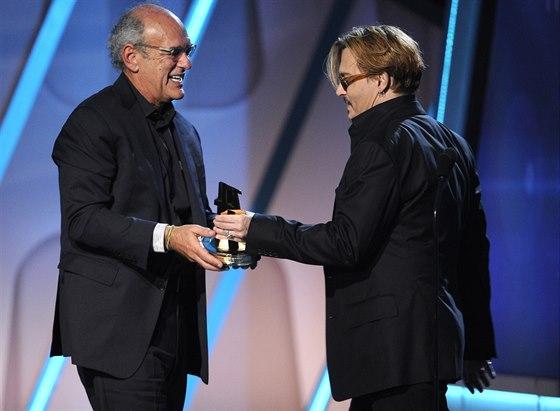Opilý Johnny Depp a producent oceněného dokumentu Shep Gordon.