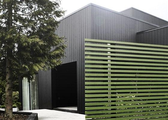 Majiteli rodinného domu jsou mladí manželé a architekti Mette a Martin Weinbergovi.