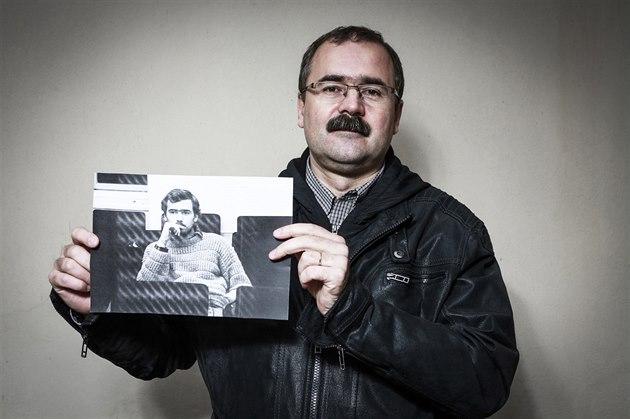 Pavel Žáček spoluorganizoval v roce 1989 studentské demonstrace a předsedal stávkovému výboru Fakulty žurnalistiky UK. Po revoluci vedl čtrnáctideník Studentské listy, od roku 1993 pracoval na Úřadu pro vyšetřování režimů komunismu. V roce 2008 založil Ústav pro studium totalitních režimů. Pracuje jako poradce náměstka ministra obrany pro paměťovou agendu, letos kandidoval do senátních voleb.