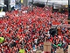 ��astn�ci demonstrace, kte�� p�i�li prezidentovi Milo�ovi Zemanovi vystavit...