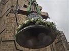 Do věže katedrály sv. Bartoloměje v Plzni se vrací pětice zvonů - čtyři nové a jeden vyčištěný (18. 11. 2014)