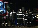 Hasiči likvidovali požár v opuštěném domku v Milovicích, uvnitř ležela mrtvá žena (11.11.2014)