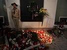 Lid� p�ich�z� zap�lit sv��ku na N�rodn� t��du u p��le�itosti 25. v�ro�� 17. listopadu 1989.