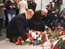Premi�r Bohuslav Sobotka pokl�d� v�nec u pomn�ku na N�rodn� t��d� p�i p��le�itosti 25. v�ro�� 17. listopadu 1989.