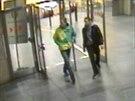 Mladíky, hledané kvůli účasti na rvačce v Ječné ulici, zachytily bezpečnostní kamery.