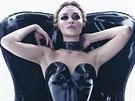 Gigi Hadidová v kalendáři Pirelli pro rok 2015