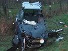 Na silnici č. I/35 mezi Konecchlumím a Kamenicí na Jičínsku se srazila Škoda Fabia s nákladním autem. (19. 11. 2014)