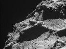 Snímky povrchu komety 67P/Čurjumov-Gerasimenko z paluby sondy Rosetta ze vzdálenosti méně než 10 kilometrů.