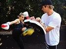 Elsa Pataky se do kondice po porodu dostala i d�ky kickboxu. Pom�hal j� man�el Chris Hemsworth.