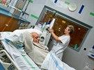 Díky opravenému hemodialyzačnímu středisku ve Fakultní nemocnici v Hradci Králové budou mít pacienti s nemocnými ledvinami lepší podmínky.