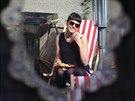 Anna Stránská fotí běžné obyvatele Hradce Králové, jejichž portréty a příběhy pak představuje v projektu Lidé HK.