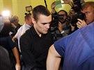 Marek Půček, kterému za usmrcení z nedbalosti hrozí až osm let vězení, přichází k soudu.