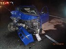 Po nehod� u Lukavic na Z�b�e�sku sho�elo jedno z aut.