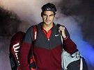 Roger Federer nastupuje k zápasu s Keiem Nišikorim.