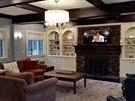 D�m v anglickém tudorovském stylu z roku 1930 vyu�il re�isér Francis Ford...