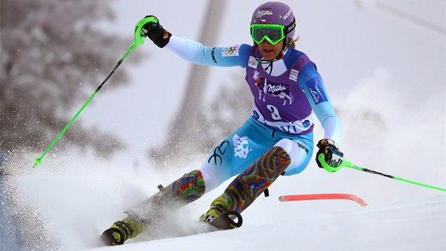 �árka Strachová ve slalomu v Levi.