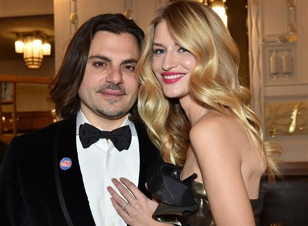 Linda Vojtová a její snoubenec Jamison Ernest