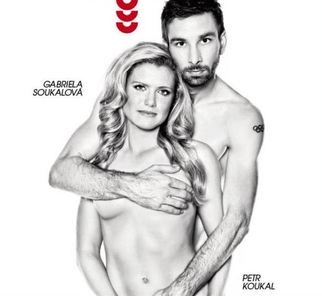 Petr Koukal a Gabriela Soukalová na obálce Magazínu DNES (20. listopadu 2014)