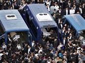 Pohřeb rabínů zavražděných v jeruzalémské synagoze (18. listopadu 2014)