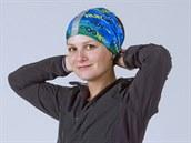 Multifunkční tunel, který číhá v záloze na krku, lze použít jako šátek.
