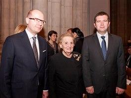 Předseda Poslanecké sněmovny Jan Hamáček společně s premiérem Bohuslavem Sobotkou na Slavnosti svobody před koncertem České filharmonie ve Washingtonské národní katedrále. Slavnostní akce se zúčastnila také Madeleine Albrightová, bývala ministryně zahraničí USA (18. listopadu 2014)