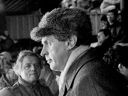 Milo� Zeman b�hem listopadov� demonstrace v Praze na Letn� (25. listopadu 1989)
