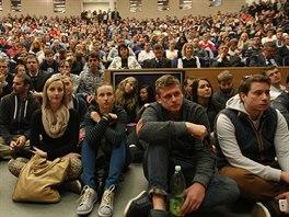 O besedu s prezidentem byl mezi studenty VŠB-TU v Ostravě velký zájem. (12. listopadu 2014)