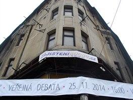 Nový majitel vyvěsil na Ostravicu pozvánku na veřejnou debatu a prohlídku. (19. listopadu 2014)