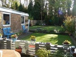 Pronajali jsme si bungalov o rozloze 68 metrů čtverečních s dvěma ložnicemi, obývákem, kuchyní a zahradou, píše čtenářka.