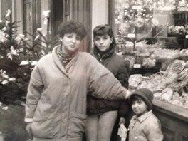 Andrea Kalivodová s maminkou a sestrou v roce 1989