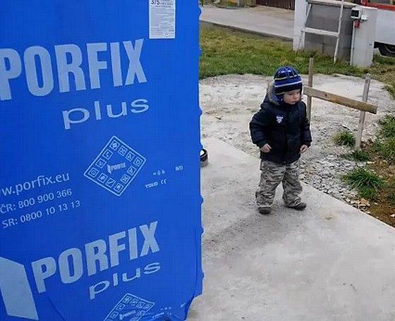Kvalitní stavební materiál PORFIX: Postavit svůj dům je s ním hračka