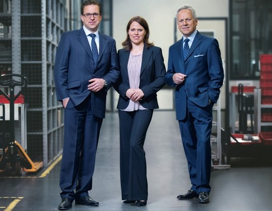 Jeden t�m, jedna rodina: Heinz-Dieter Schunk (vpravo), dcera Kristina I. Schunk a syn Henrik A. Schunk.