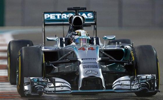 Lewis Hamilton jede za titulem ve Velké ceně Abú Zabí.