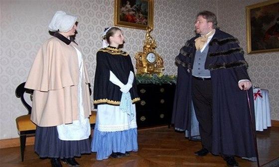 Na zámku vás přijme paní kněžna a zámečtí úředníci a služebnictvo vás seznámí s dobovými zvyky