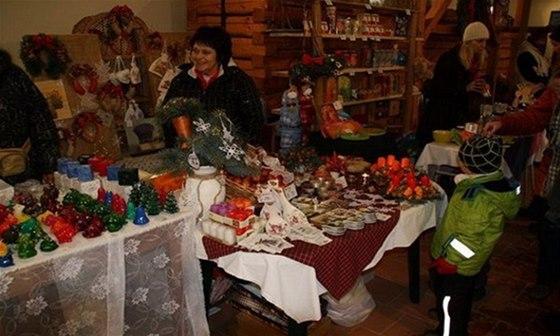 Nebude chybět ani malý adventní trh s drobnými dárečky, dobrotami a zvykoslovnými drobnostmi