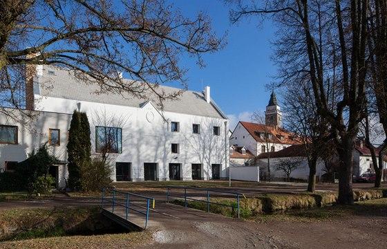 ov-a, obnova Spolkového domu ve Slavonicích