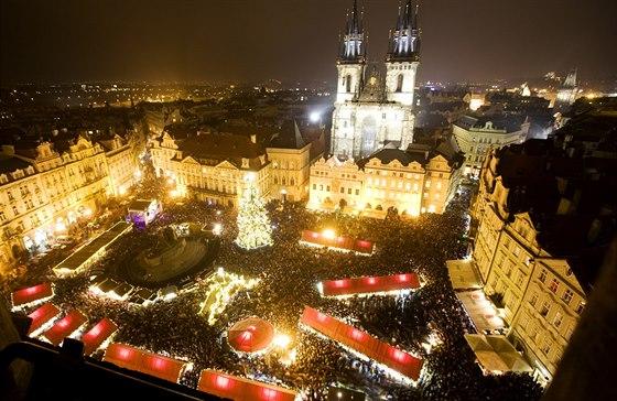 Rozsvícení vánočního stromu na pražském Staroměstském náměstí