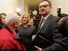 Jana Nečasová (dříve Nagyová) s manželem Petrem Nečasem u soudu v Praze. (20. 11. 2014)
