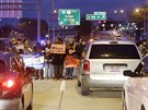 Demonstrace v Clevelandu kvůli zastřelení černošského chlapce Tamira Rice. (27. listopad 2014)