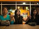 Tojice hispánek v Minneapolisu se modlí po Obamově projevu o imigrační reformě (21. listopadu 2014)