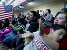 Imigranti v Marylandu naslouchaj� Obamovu projevu o reform� imigrace (21. listopadu 2014)