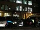 Vězeňská služba neuhlídala vězně, uprchl při převozu do krčské nemocnice v Praze (25. listopadu 2014).