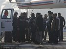 Husn� Mubarak p�i transportu k soudu (29. listopadu)