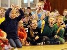 Školáci usilovně fandili. (25. listopadu 2014)