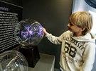 Pou�en� i z�bavu najdou v renovovan�m ostravsk�m planet�riu dosp�l� i ned�vno narozen�. (26. listopadu 2014)
