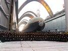 Tradi�n� fotka pos�dky  v lod�nici Sevma�