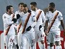 Fotbalisté AS Řím slaví gól Franceska Tottiho (10).